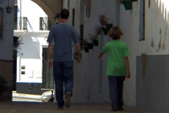 brecha_andres_and_jose_walking